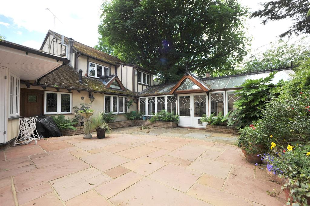 3 Bedrooms Detached House for sale in Blackmore Road, Blackmore, Ingatestone, Essex, CM4