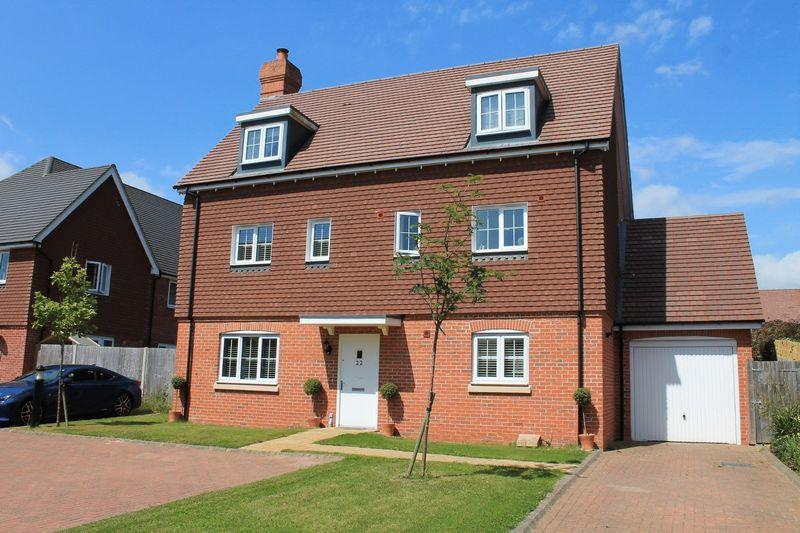 5 Bedrooms Detached House for sale in Oddstones, Pulborough