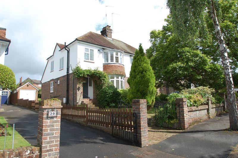 3 Bedrooms Semi Detached House for sale in Woodbury Avenue, Petersfield
