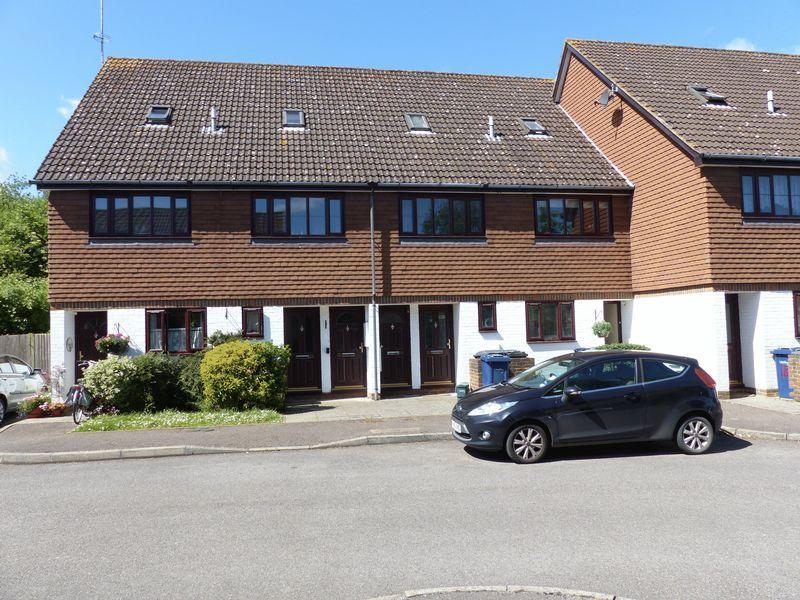 1 Bedroom Maisonette Flat for sale in John Wiskar Drive, Cranleigh