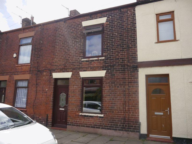 2 Bedrooms Terraced House for sale in Common Street, Westhoughton, Bolton