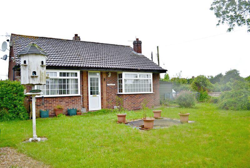 2 Bedrooms Detached Bungalow for sale in Lease Lane, East Halton