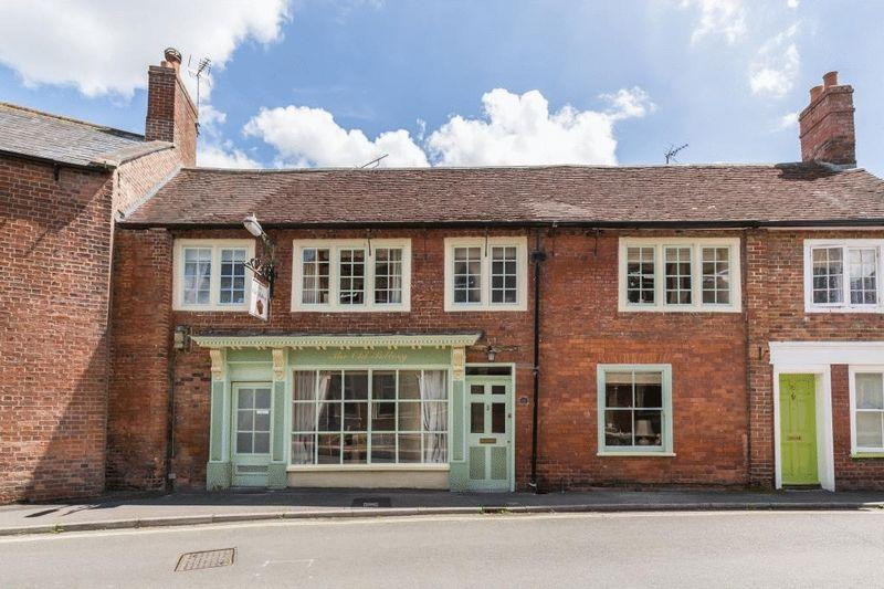 5 Bedrooms Terraced House for sale in Church Street, Westbury
