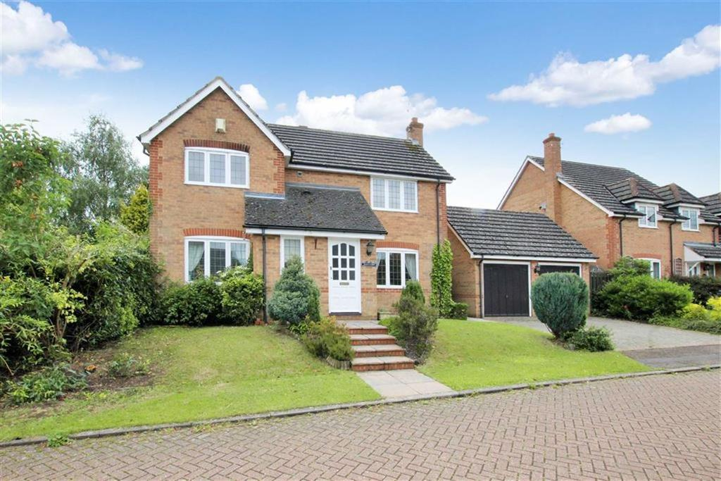 4 Bedrooms Detached House for sale in 38, Stewart Drive, Silverstone