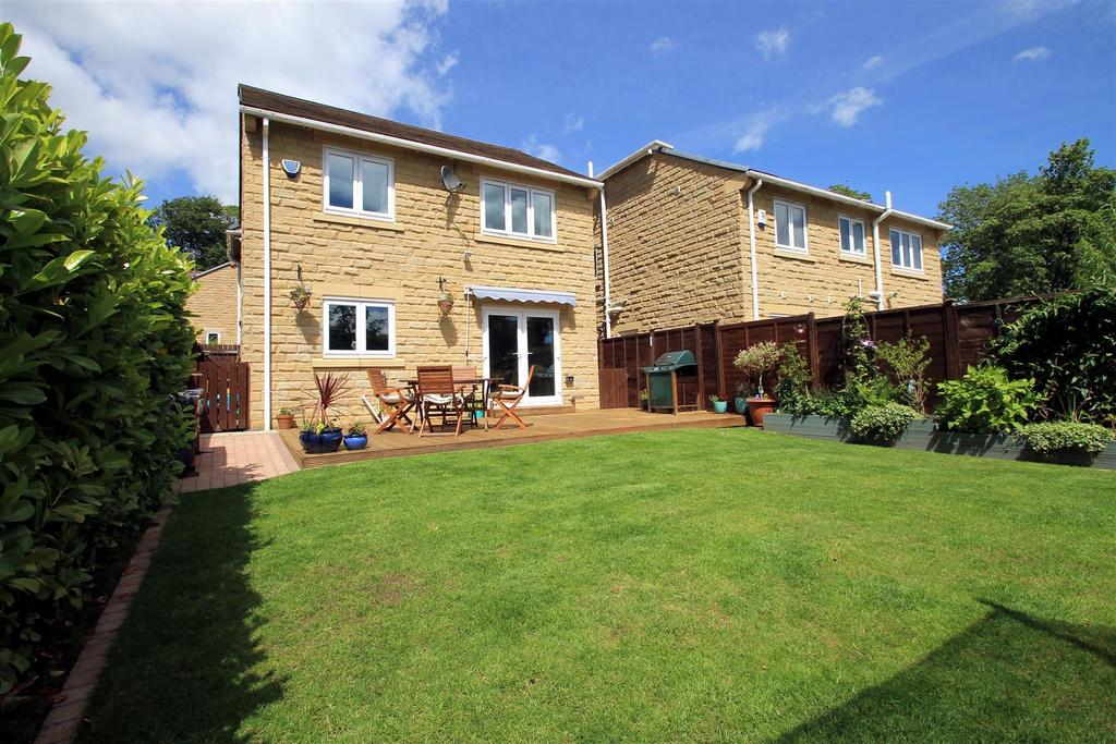 3 Bedrooms Detached House for sale in Prince Henrys Court, Otley, LS21 2