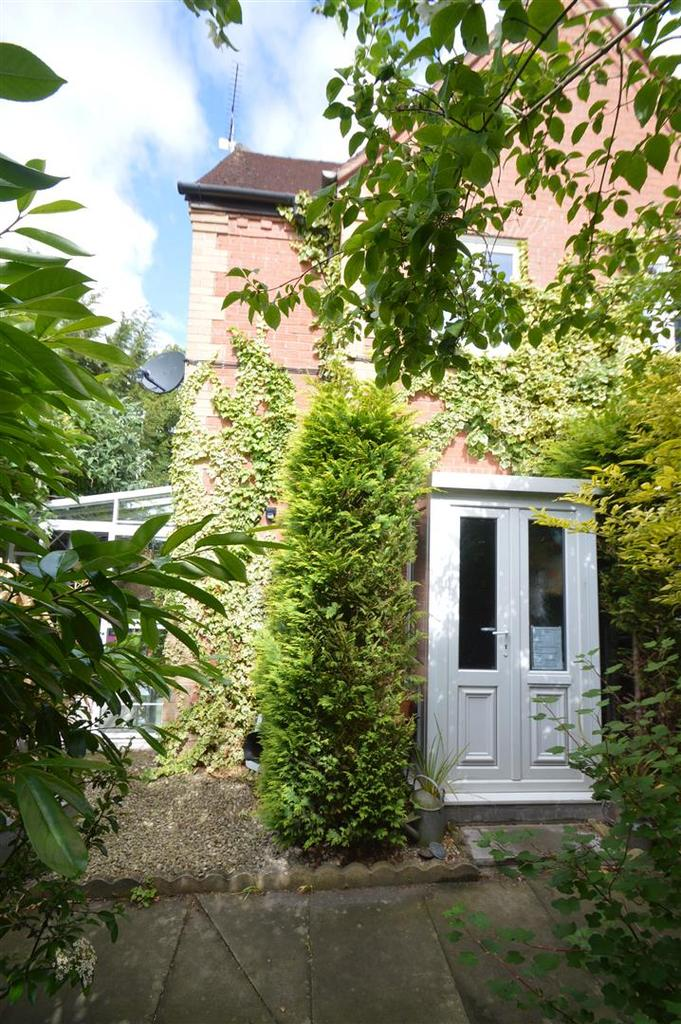 2 Bedrooms Mews House for sale in 4 Pountney Gardens, Belle Vue, Shrewsbury, SY3 7LG