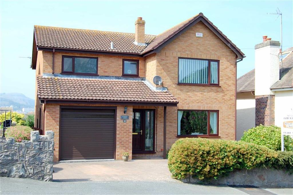 3 Bedrooms Detached House for sale in Vicarage Avenue, Llandudno, Conwy