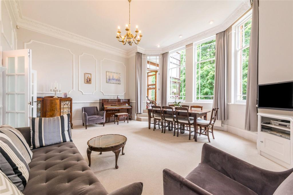 3 Bedrooms Flat for sale in Maresfield Gardens, Hampstead, London