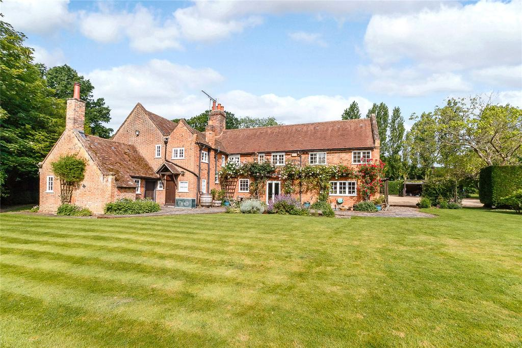 7 Bedrooms Detached House for sale in Newbarn Lane, Seer Green, Beaconsfield, Buckinghamshire