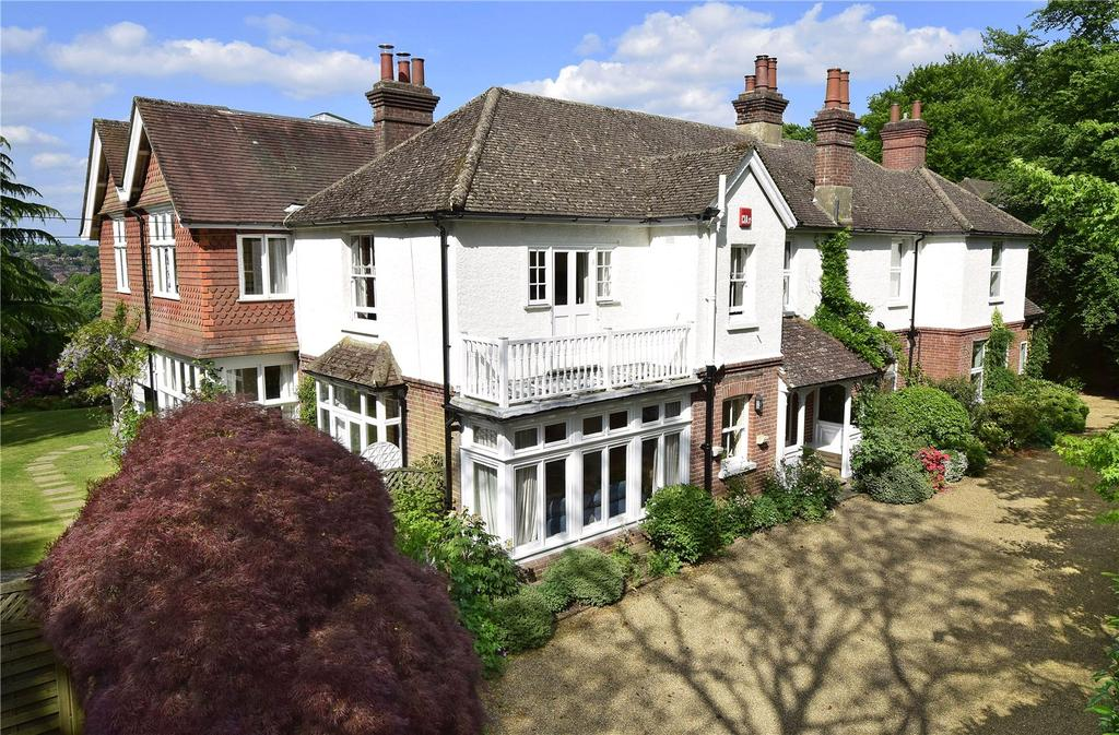 7 Bedrooms Detached House for sale in Courts Hill Road, Haslemere, Surrey