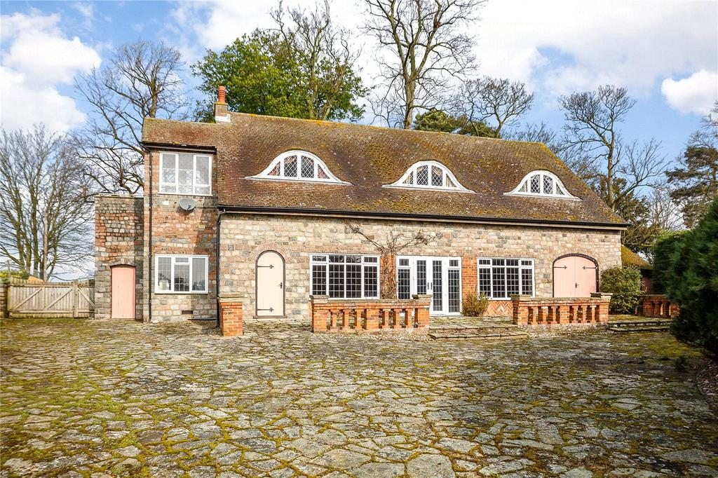 2 Bedrooms Detached House for sale in Westmill Lane, Ickleford, Hitchin, Hertfordshire