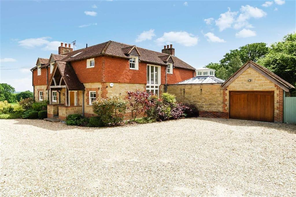 5 Bedrooms Detached House for sale in Roundhurst, Haslemere, Surrey, GU27