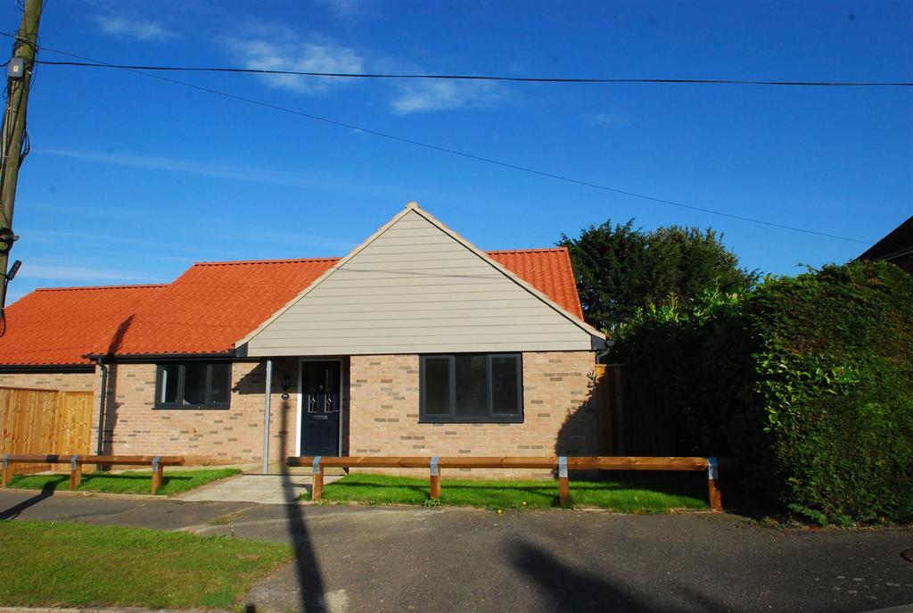 2 Bedrooms Detached Bungalow for sale in Risby