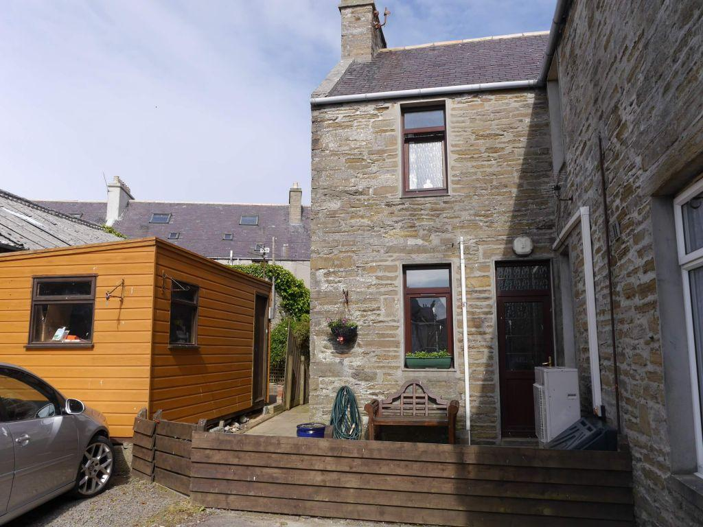 3 Bedrooms Terraced House for sale in 20 Garden Street, Kirkwall