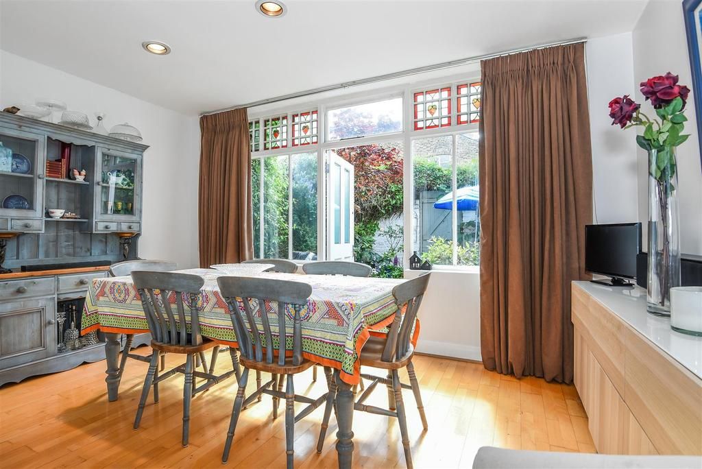 4 Bedrooms Terraced House for sale in First Avenue, Barnes, London