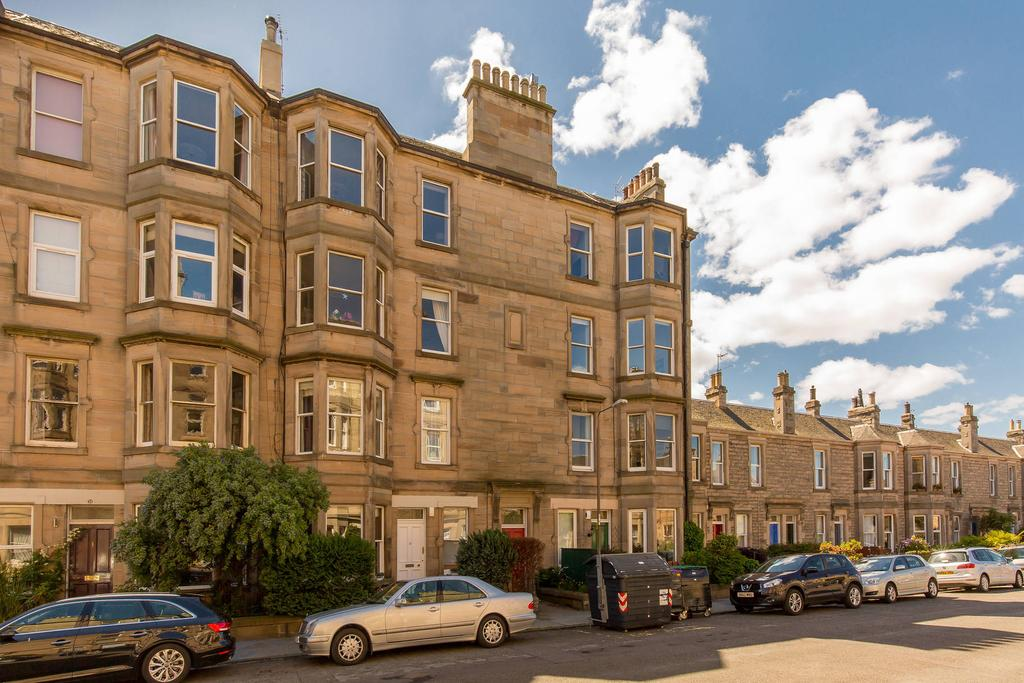2 Bedrooms Flat for sale in 35/1 Darnell Road, Trinity, EH5 3PH
