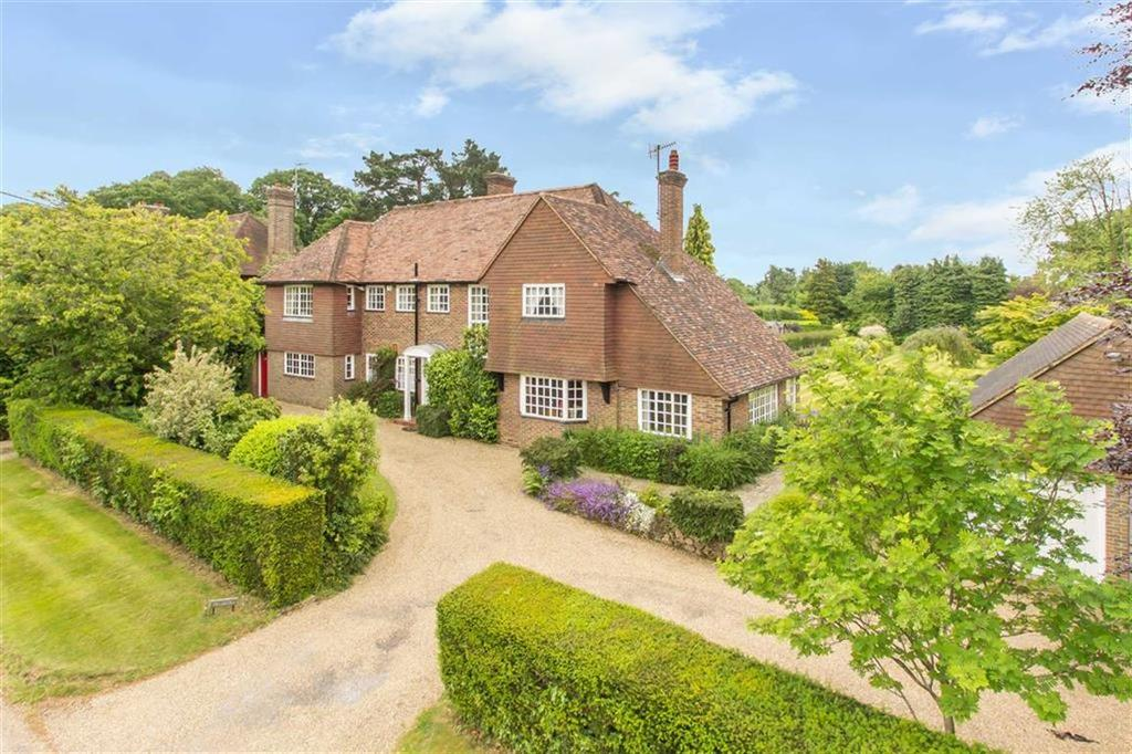 5 Bedrooms Detached House for rent in Quarry Road, Oxted, Surrey