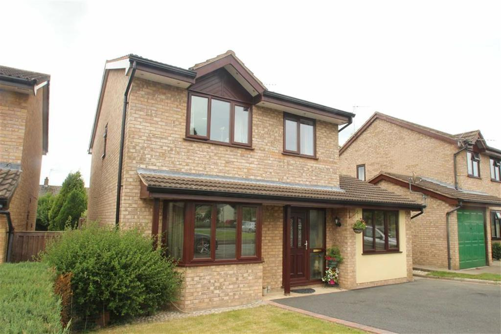 4 Bedrooms Detached House for sale in Applewood Heights, West Felton, Oswestry