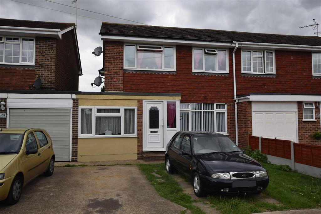 4 Bedrooms House for sale in Barnards Avenue, Canvey Island