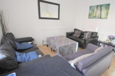 4 bedroom house share to rent - Burley Lodge Road, Hyde Park