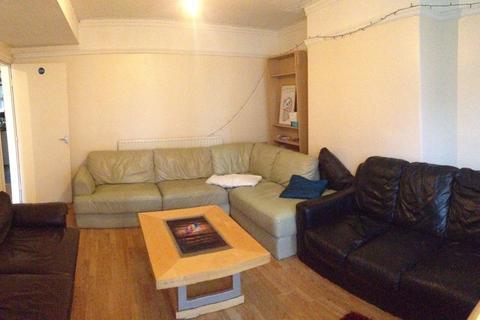 6 bedroom house share to rent - Estcourt Avenue, Headingley