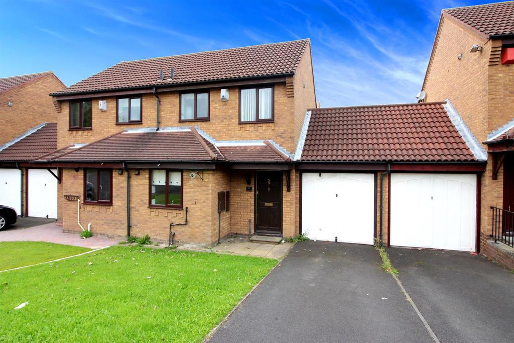 2 Bedrooms Semi Detached House for sale in Mount Close, Killingworth, Newcastle Upon Tyne