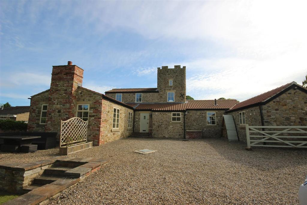 4 Bedrooms Detached House for sale in The Green, High Coniscliffe, Darlington