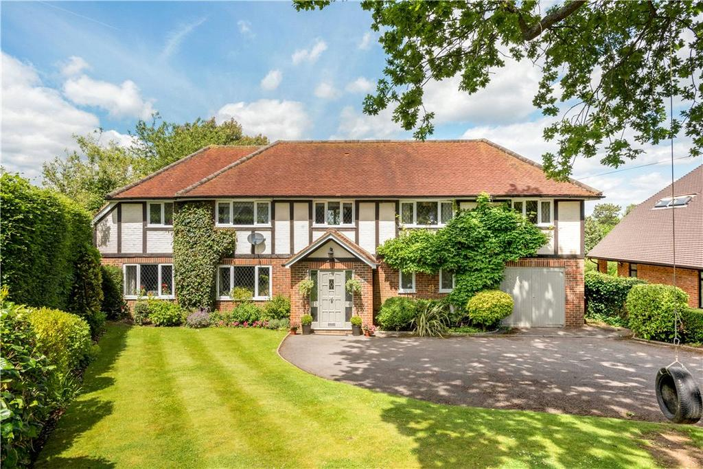 5 Bedrooms Detached House for sale in Farm Close, Fetcham, Leatherhead, Surrey, KT22