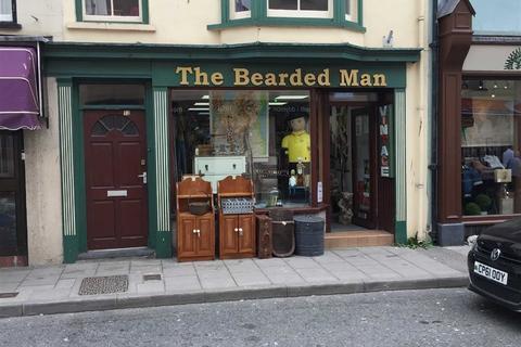Retail property (high street) to rent - Chalybeate Street, Aberystwyth, Ceredigion