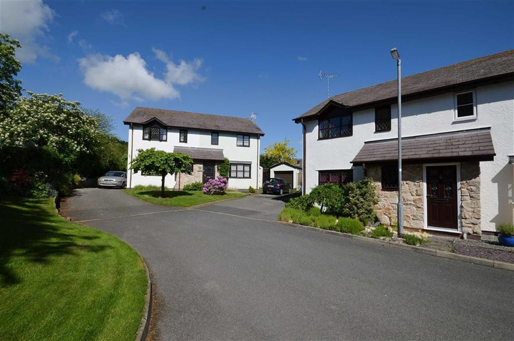 3 Bedrooms Semi Detached House for sale in Cae Derwen, Llanferres, Mold
