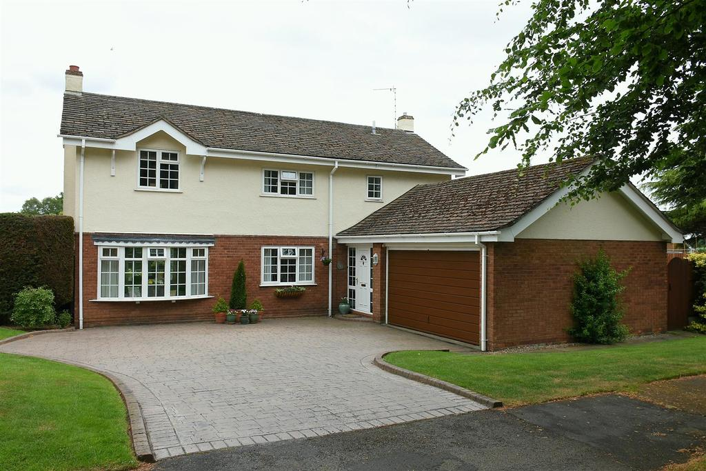 4 Bedrooms Detached House for sale in The Stiles, Cuddington