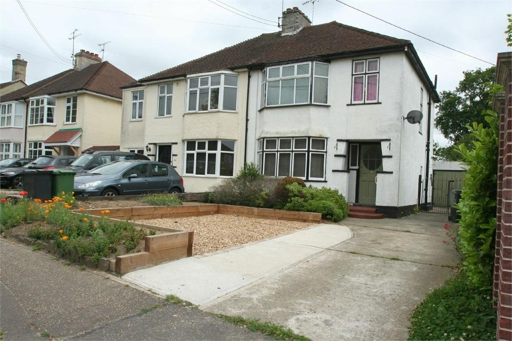 3 Bedrooms Semi Detached House for sale in London Road, Braintree