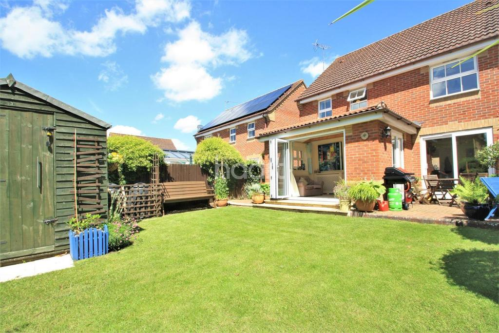 4 Bedrooms Detached House for sale in Coltsfoot Way, Thetford