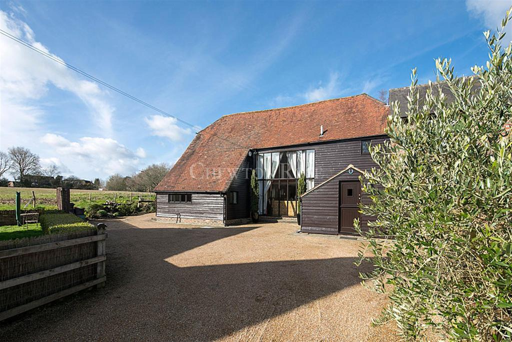 3 Bedrooms Farm House Character Property for sale in Hurst Green, Etchingham, East Sussex. TN19