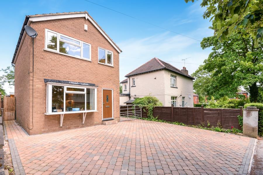 3 Bedrooms Detached House for sale in FEARNVILLE DRIVE, LEEDS, LS8 3DN