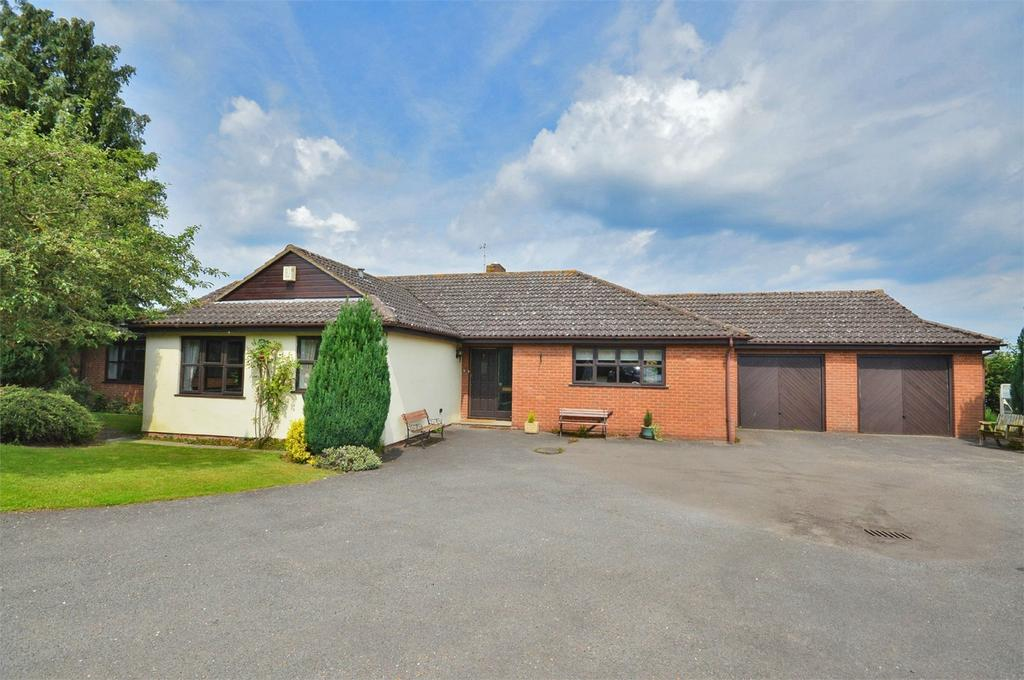 4 Bedrooms Detached Bungalow for sale in 3 Goodwins Close, Littlebury, Nr Saffron Walden