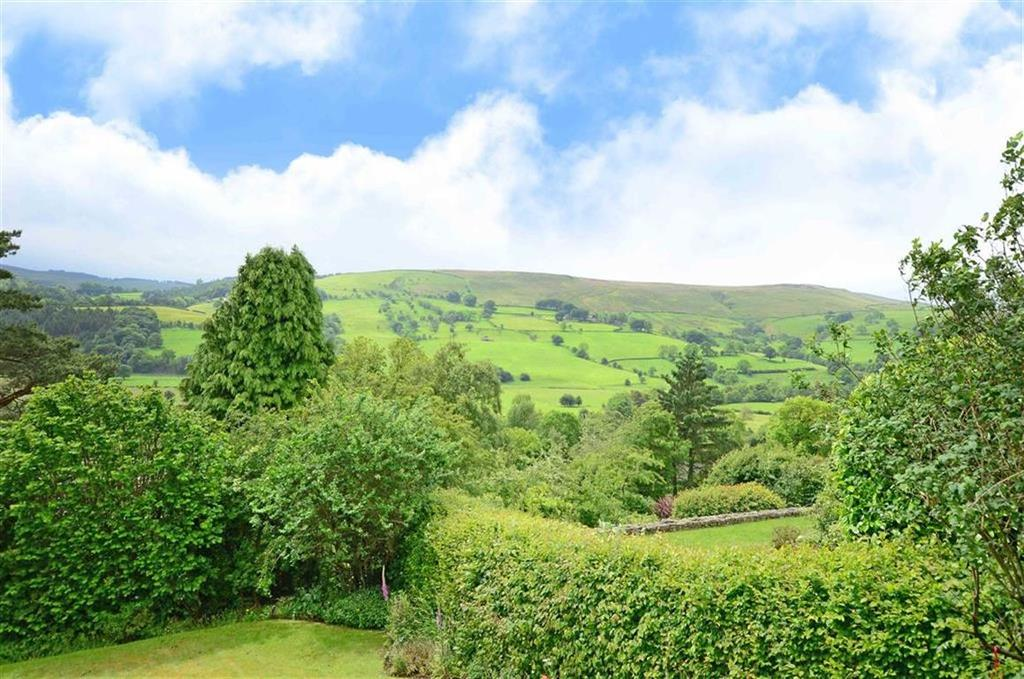 3 Bedrooms Bungalow for sale in 10, Derwent Lane, Hathersage, Hope Valley, S32