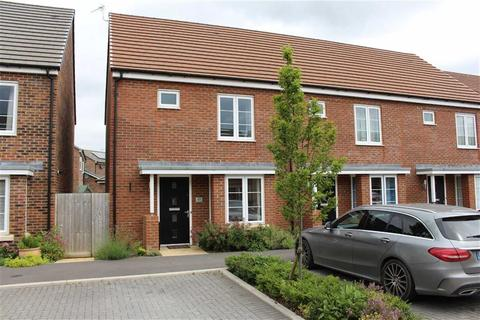 3 bedroom semi-detached house to rent - Mainsail Lane, Hempsted, Gloucester
