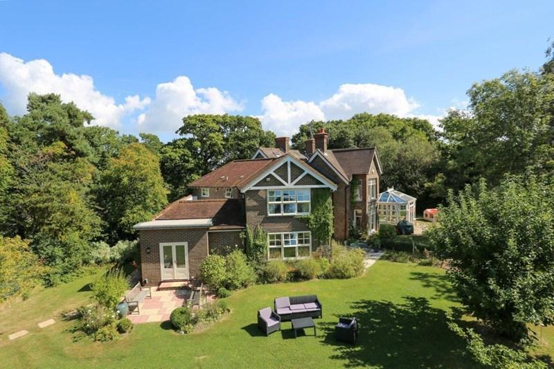 7 Bedrooms Country House Character Property for sale in Plumpton Lane, Lewes
