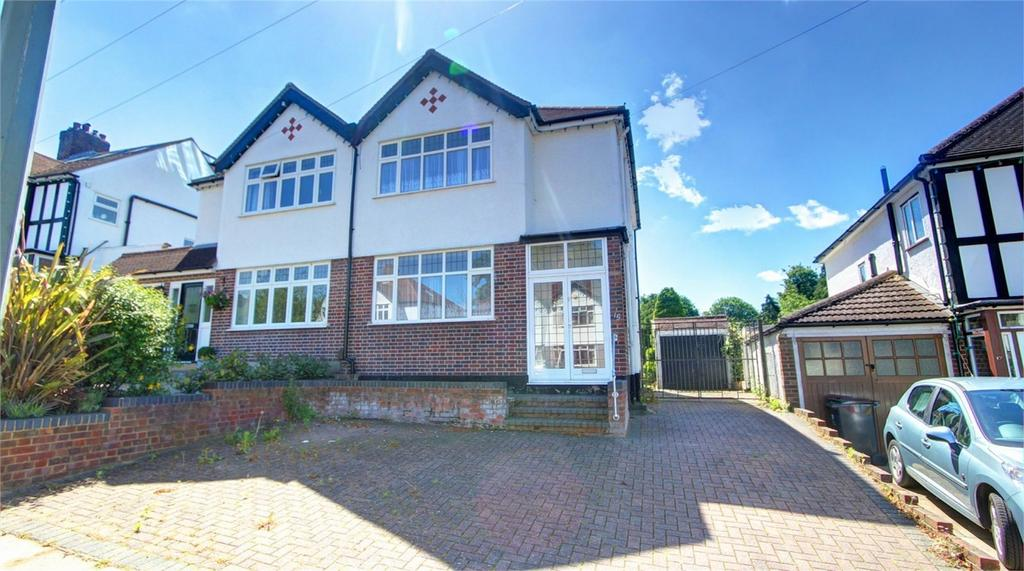 3 Bedrooms Semi Detached House for sale in Beverley Road, Bromley, Kent