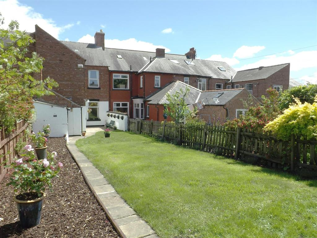 4 Bedrooms Town House for sale in North Road, Darlington