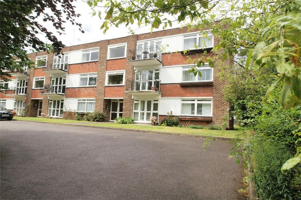 2 Bedrooms Flat for sale in Keswick Court, 78 Westmoreland Road, Bromley, Kent