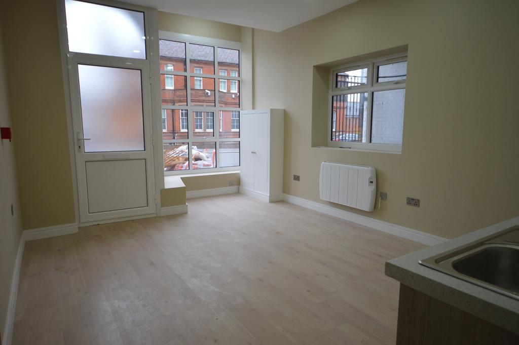 1 Bedroom Flat for sale in Catford Hill Catford SE6