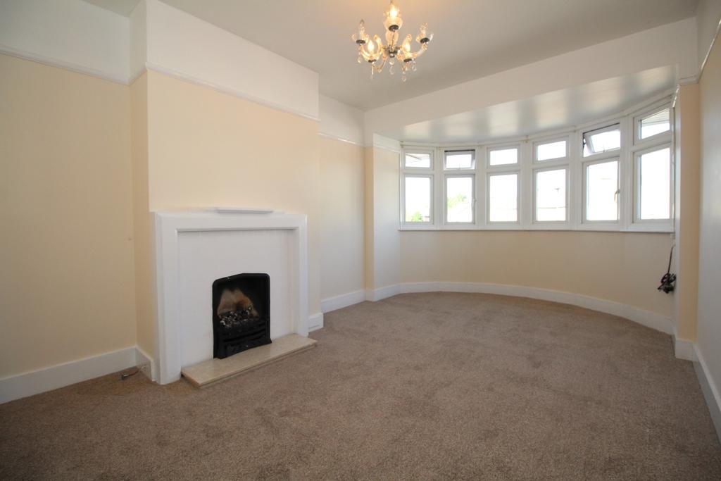 2 Bedrooms Maisonette Flat for sale in Danson Crescent Welling DA16