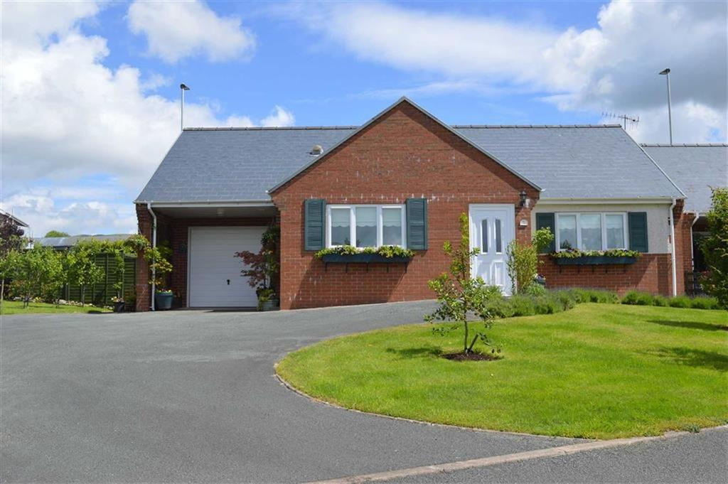2 Bedrooms Detached Bungalow for sale in 9, Maes Y Derwen, Llanbrynmair, Powys, SY19