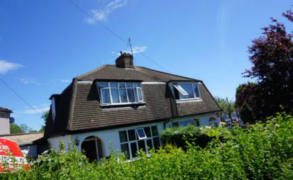 3 Bedrooms Semi Detached House for sale in Rembrandt Road, Queensbury, HA8