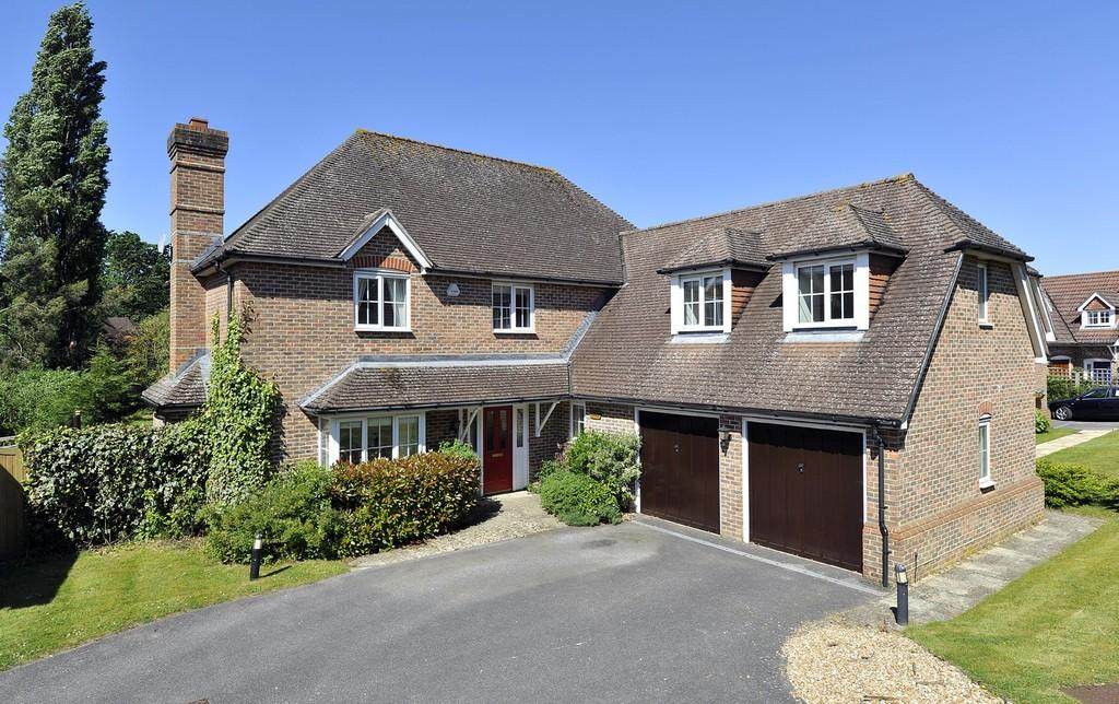 5 Bedrooms Detached House for sale in Coldwaltham, West Sussex