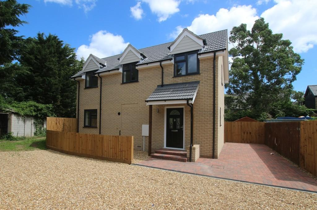 3 Bedrooms Detached House for sale in High Street, Sutton