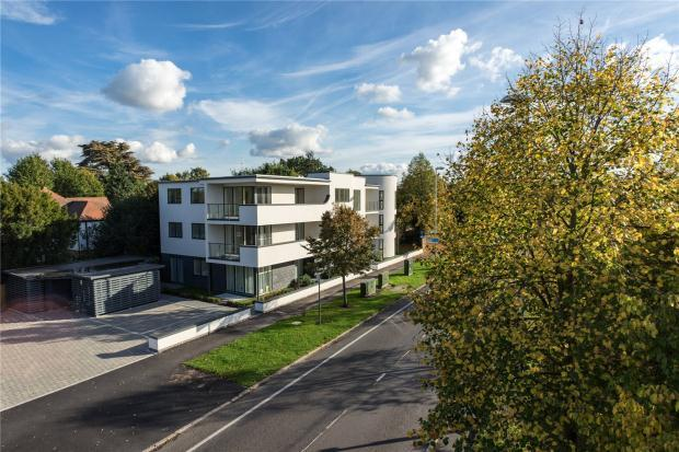 2 Bedrooms Apartment Flat for sale in Queen Edith's Way, Cambridge