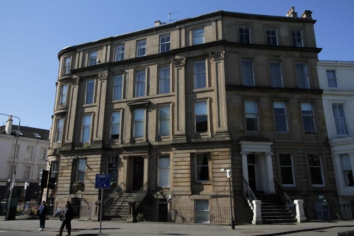 3 Bedrooms Flat for sale in 24 Royal Crescent, Kelvingrove, G3 7SL